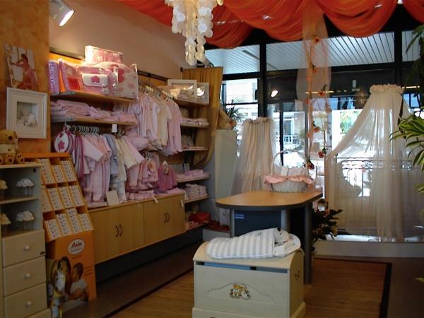 Arredamento negozio di abbigliamento for Arredamento usato firenze
