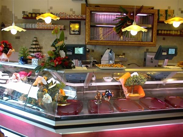 Arredamento macelleria salumeria gastronomia for Arredo negozi rimini
