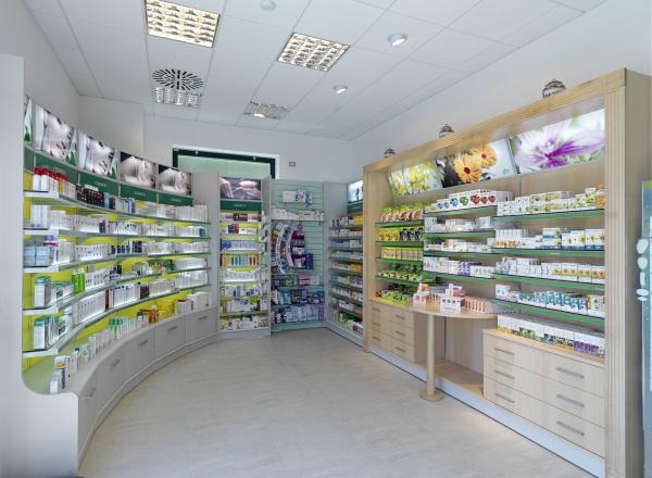 Arredamento per farmacie parafarmacie ambulatori medici for Bottigelli arredi farmacia