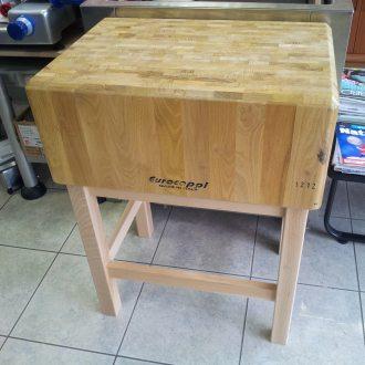 Ceppi di legno vendita trattamento marmo cucina for Arredamento macelleria usato