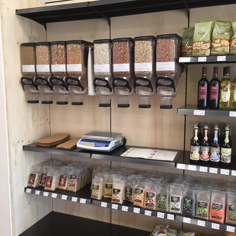 Arredamenti per negozi alimentari e supermarket for Arredi ecosostenibili